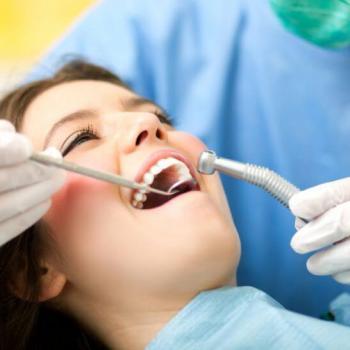 cirurgia no dente